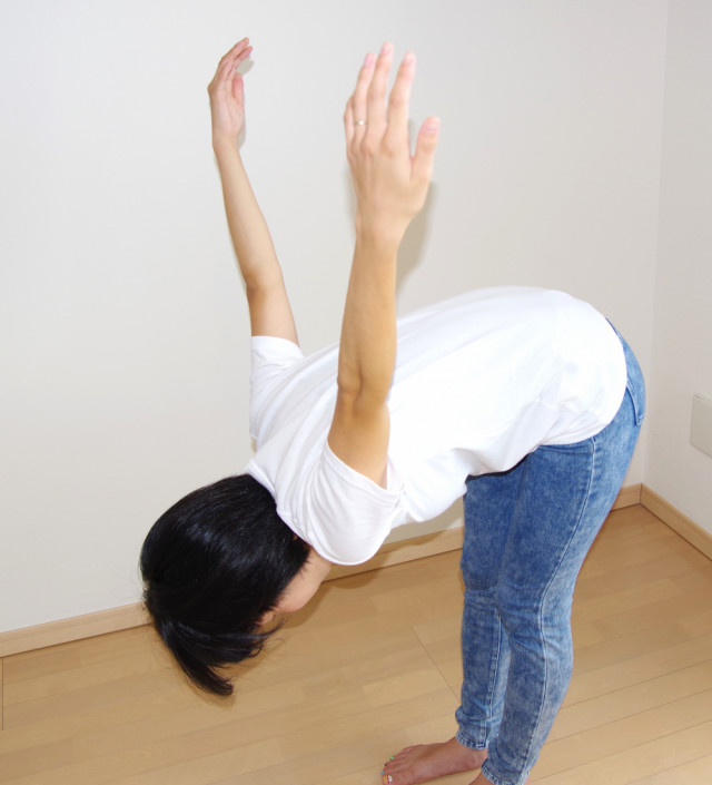 肩甲骨の体操が婦人科疾患のバランスを調節し、足底腱膜炎にも効果があります