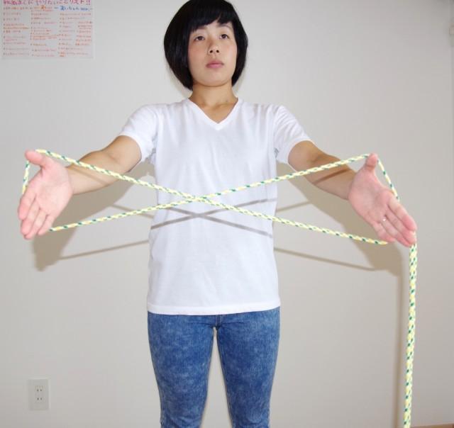 ヒモで輪っかを作る