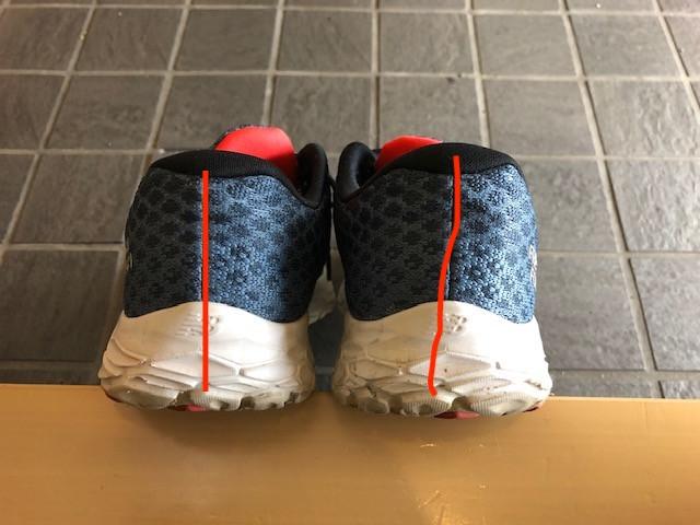 靴紐以外にも、癖のついた靴に注意