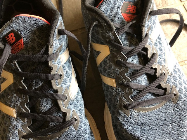 靴紐の通し方でモートン病が改善するかも